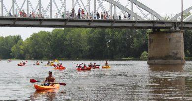 400 palistas en el XI Descenso del río Alagón