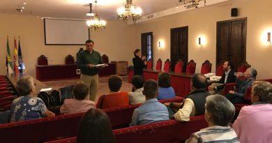 El Ayuntamiento firma un convenio con las asociaciones culturales de Coria