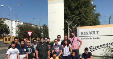 Alumnos de Electromecánica del IES Alagón  visitan la Renault de Sevilla