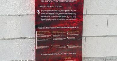 El Ayuntamiento instala nueva señalización turística en el Casco Histórico