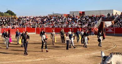 Tarde de toros en Coria con una Plaza llena de público