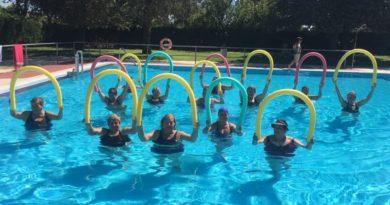 58 alumnas terminan los cursos de Acuaerobic de Coria y sus pedanías