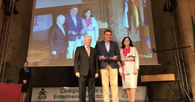El colegio de enfermería premia al ayuntamiento de Coria